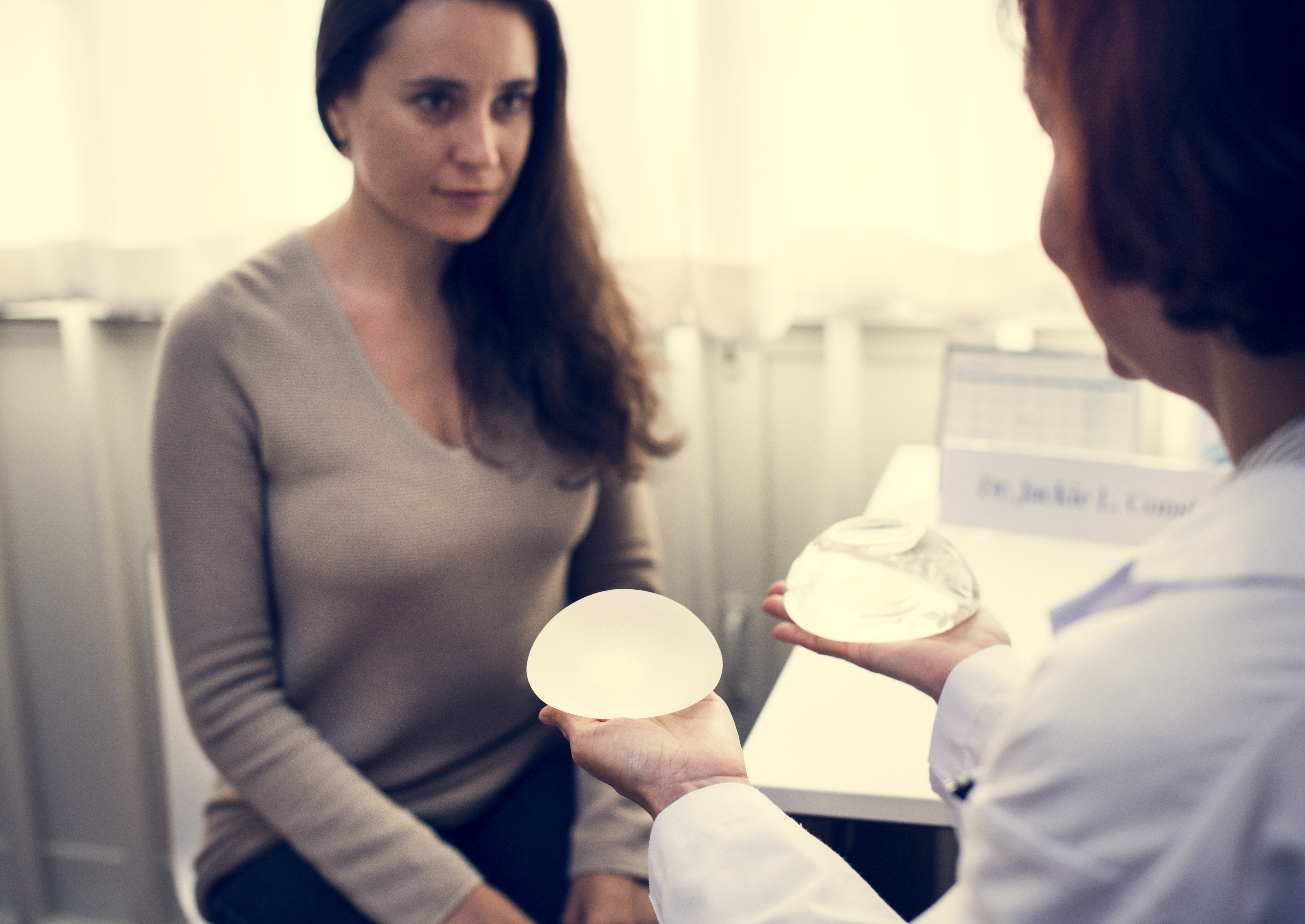 Breast cancer implant study suggests links with illness but has serious flaws